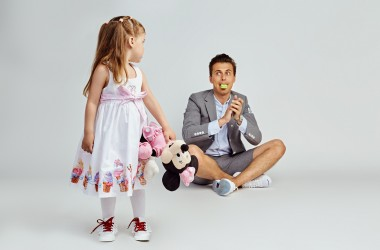 Спецпроект 23-59.com.ua с Hi, Mom!  и SWEET BOOK  ко Дню защиты детей: известные папы со своими любимыми малышами.
